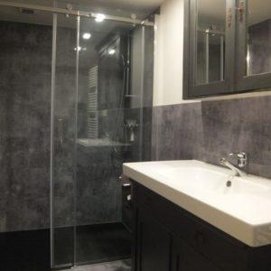 Molewey bathroom